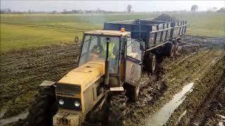 Błotne potwory!  Maszyny rolnicze vs mega błoto!