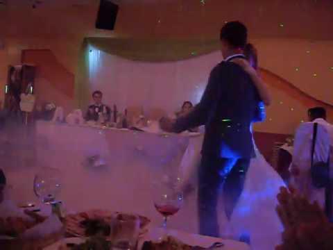 Свадебный танец очень трогательный