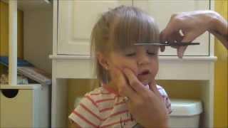 TODDLER HAIR CUT [Toddler gets hair trimmed] thumbnail