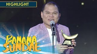 Pooh is awarded Best Costume in the 2nd Golden Banana Awards | Banana Sundae