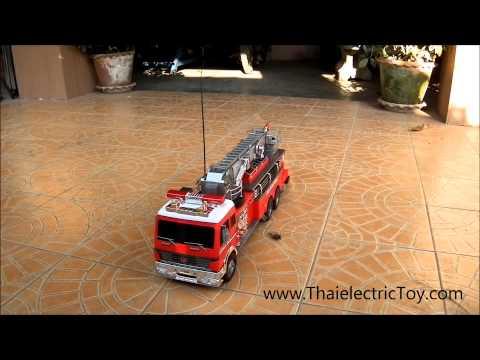 รถดับเพลิงบังคับวิทยุขนาดใหญ่ ยาว 70 เซนติเมตร ฉีดน้ำได้ด้วย Fire Engine Hobby Engine