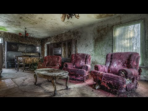 Abandoned Home Completely Covered In THICK BLACK MOLD
