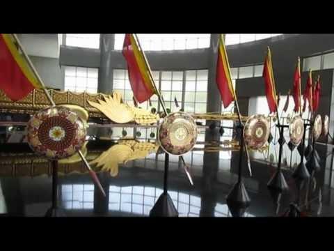 Travel Brunei-visiting Royal Regalia Building 文莱旅游