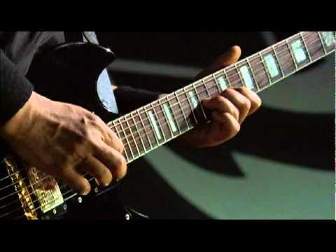 Soundgarden - Searching With my Good Eye - Loollapalooza 2010 i-5