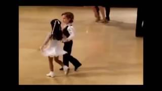 танец танго видео смотреть бесплатно танцуют дети. В Мире Детей!(танец танго видео смотреть бесплатно танцуют дети детское видео для детей смотреть онлайн., 2017-02-25T14:00:04.000Z)