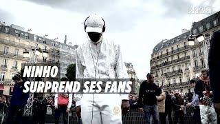 Le rappeur Ninho lance son nouvel album entouré de ses fans, à la gare Saint-Lazare