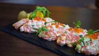 Салат из лосося от ресторана