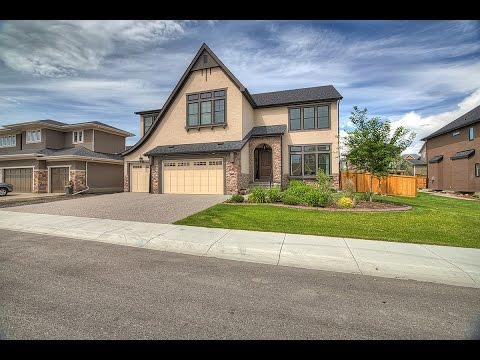 Luxury Calgary Home in Springbank Hill - 8234 Fortress Dr SW