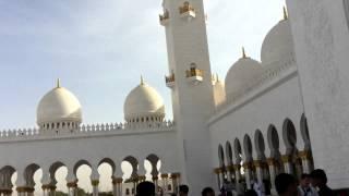 エジプト旅行 UAEにある世界で三番目に大きいモスク