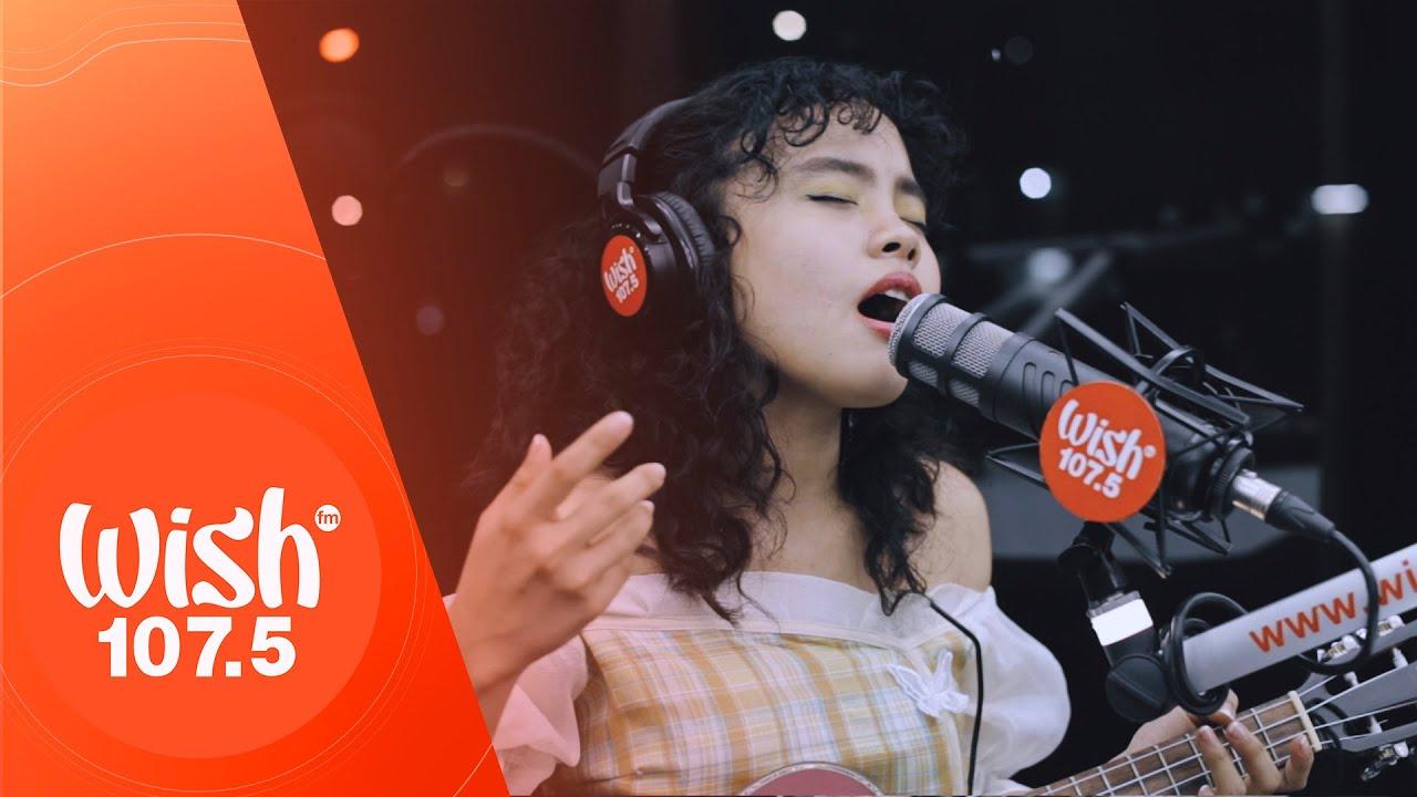 "Shanne Dandan performs ""Sandali Lang"" LIVE on Wish 107.5 Bus"