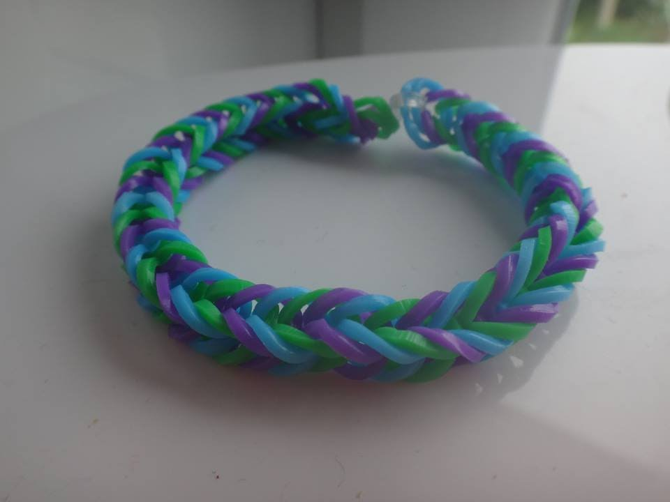 tuto bracelet rainbow loom lastiques sans machine youtube. Black Bedroom Furniture Sets. Home Design Ideas