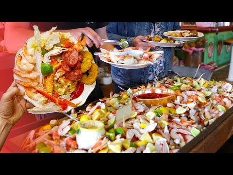 THE DISNEYLAND OF CUBAN BUFFETS | Going In