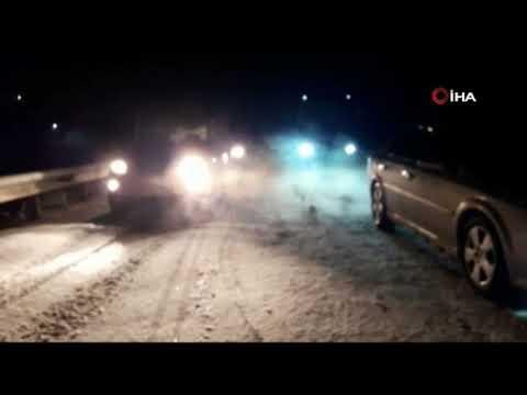 Sivas'ta kar küreme aracı kaza yaptı