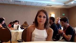 Interview With Willa Holland of Arrow at Comic-Con 2014 Thumbnail