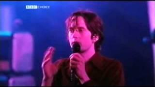 Jarvis Cocker tells a fan to shut up (2002)