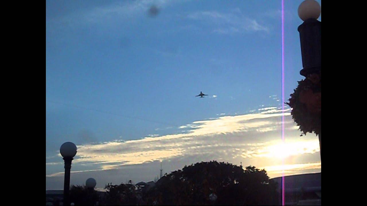 747 Space Shuttle flyover - Gallery | eBaum's World |Space Shuttle Flyover