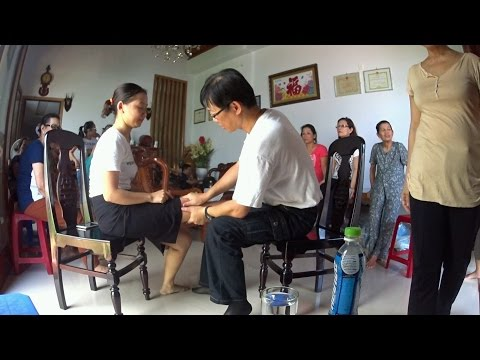 Part 2 of 2, public charity healing sessions in Da Nang, Vietnam on all sorts of pain and discomfort