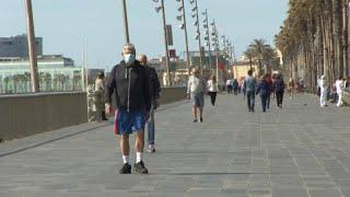 Испанцев обяжут носить маски в транспорте