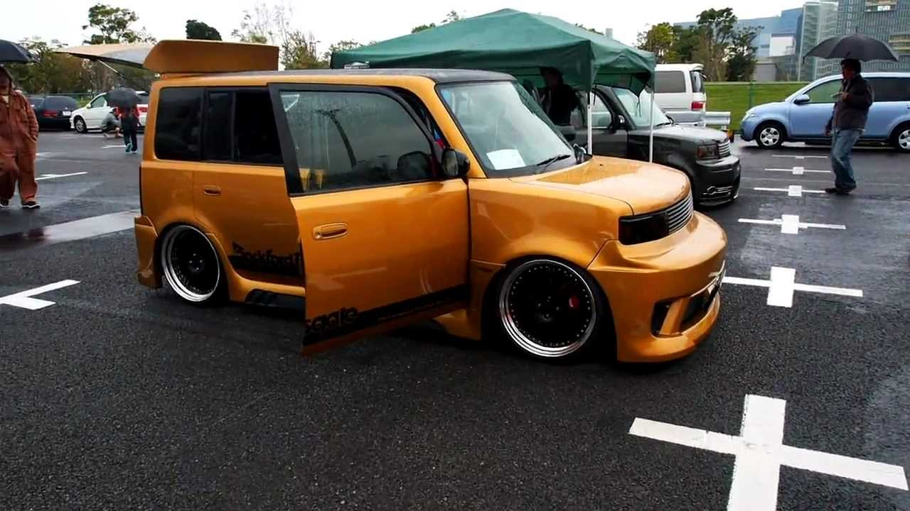 Japan car show Tuned toaster vans 2012 - YouTube
