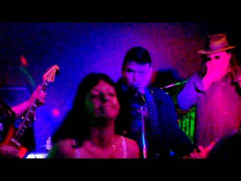 Diddy Reyes Blues Maniacs Ripping It Up @ The Wishing Well Tavern Carrum