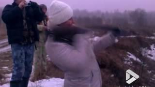 Viral Video UK: Gun recoil fail