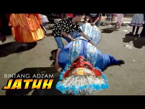 Bintang Adzam Jatuh di Pasar Malam, Ondel ondel betawi