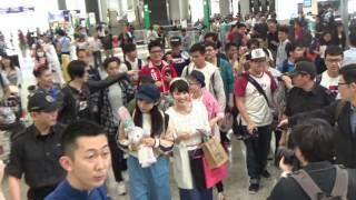 AKB48 - 山田菜菜美(やまだ ななみ)、岡部麟(おかべ りん)、小栗有以(おぐり ゆい) Arrived Hong Kong Airport 20170429 名波はるか 検索動画 26
