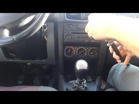 How to Replace Renault Symbol Central Console Bulbs