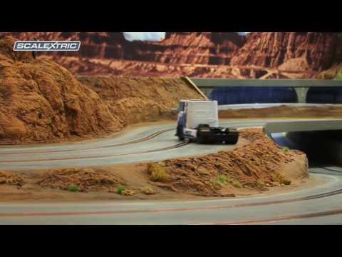 SCALEXTRIC 1:32 Racing Truck 2 Weiß #22 (500003610)