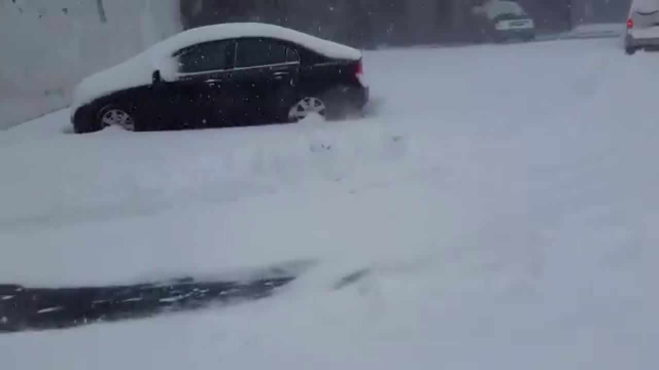 front wheel drive ford getting through snow youtube. Black Bedroom Furniture Sets. Home Design Ideas