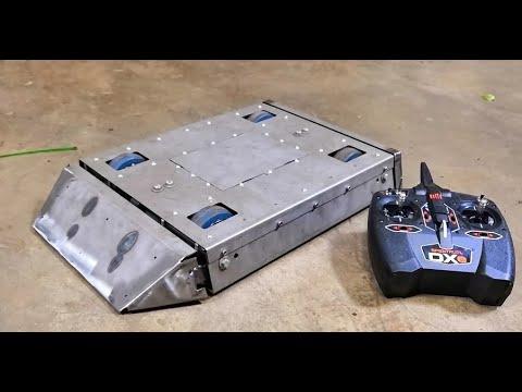Vechtrobot vs DVD speler!