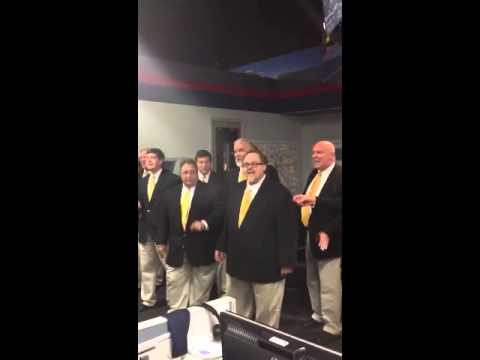 """Nashville Singers"" serenade the newsroom"