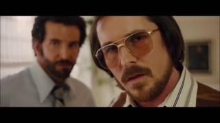 Лучший момент из фильма - Афера по-американски ((Кристиан Бэйл))