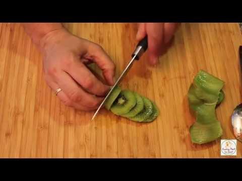 La mejor forma de pelar un kiwi
