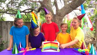 Learn English Colors! Rainbow Cake and Water balloons with Sign Post Kids!
