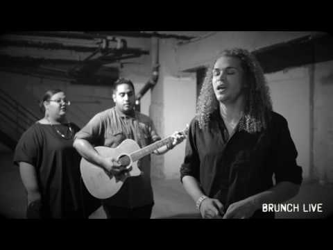 """Brunch Sessions:  DeAndre Covers Duffy's """"Syrup And Honey"""" And Beyonce's """"1+1"""""""