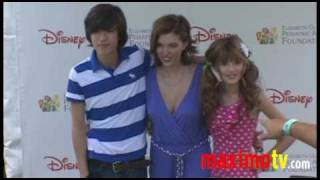 Bella Thorne and Dani Thorne Arriving at