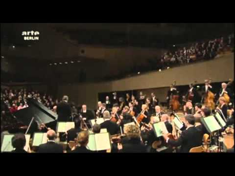 Daniel Barenboim 70th Birthday -The audience sings Happy Birthday to You