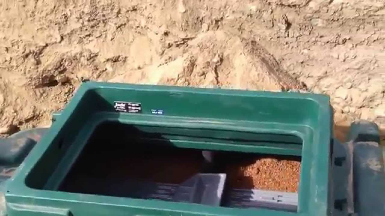 New septic system ecoflo installation youtube for Ecoflow septic system