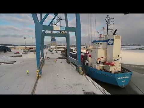 CM 160 loading at Port of Turku (Drone)