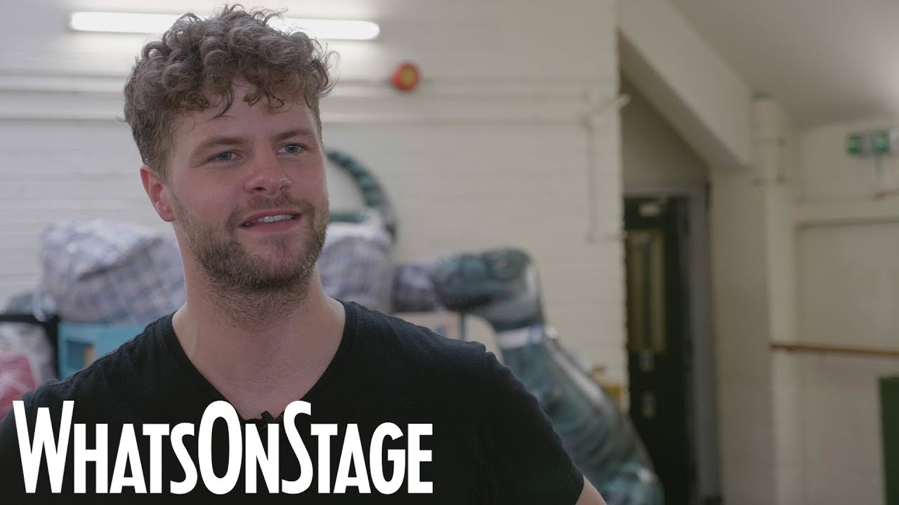 Jay McGuiness, Kimberley Walsh and cast of Big the Musical