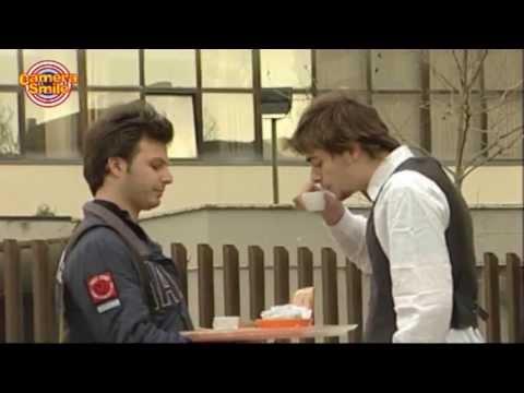 Candid Camera - Scherzi divertenti per strada: il cameriere affamato