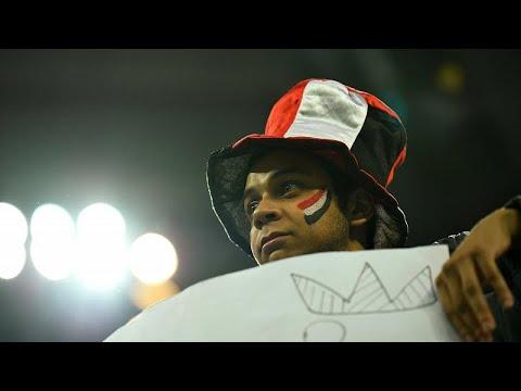 شاهد: صدمة وحزن المصريين بعد خسارة منتخبهم الوطني أمام روسيا …  - نشر قبل 3 ساعة