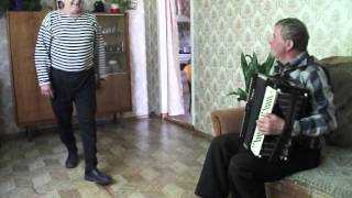 Download Дед танцует яблочко в 75 лет Mp3 and Videos