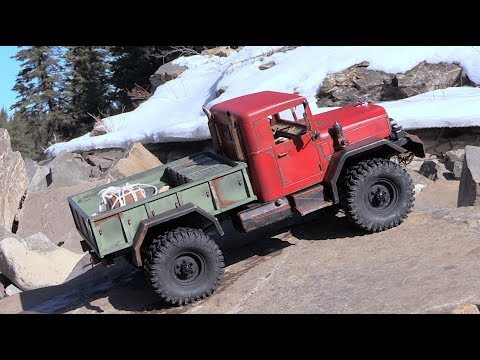 Cross RC HC4 and the Camo TF2 in Scale Town - RC CWR