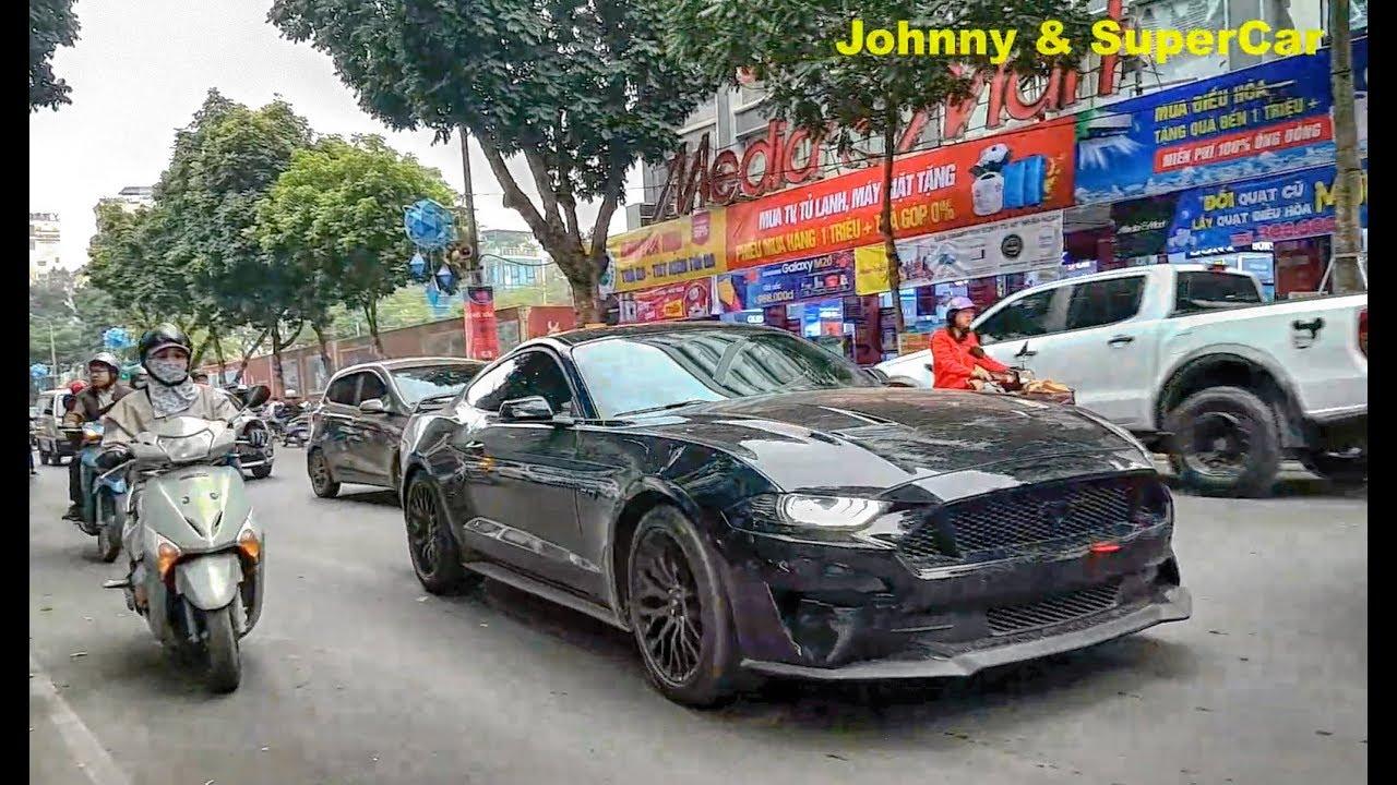 Ford Mustang GT 5.0 2018 độ Pô Akrapovic gầm rú trên phố Hà Nội
