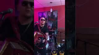 J.R. Gomez & Conjunto Bandits featuring Juanito Castillo - Tu Recuerdo y Yo/Una Botella