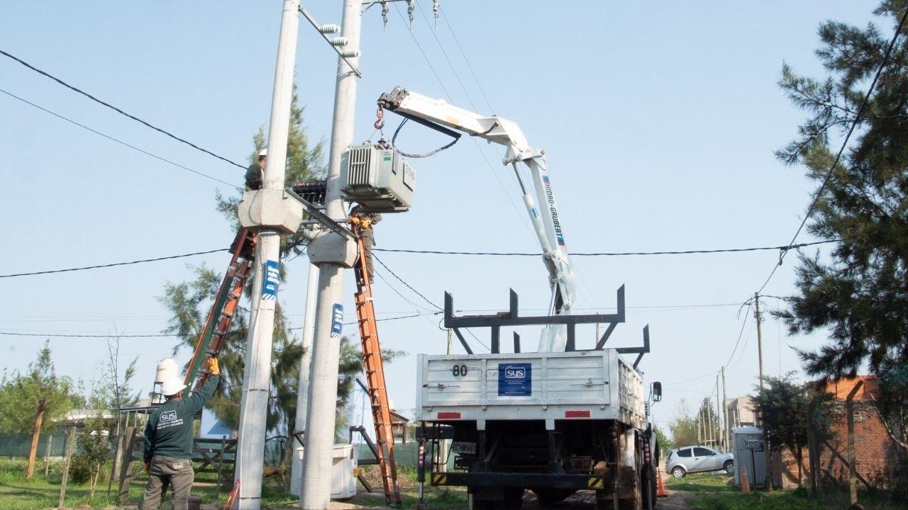 EDELAP continúa ampliando la red eléctrica en Parque Sicardi