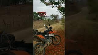 Paseo moto dual Ecuador litoral aventura