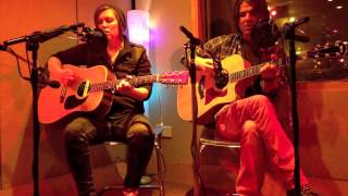 PJ Pacifico & Garrison Starr - Bend It Til It Breaks (in session for Amazing Radio)